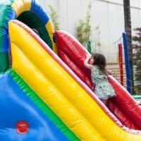 Har dit barn fødselsdag? Lej en hoppeborg!